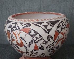 Early Zia, San Ildefonso or Acoma Pot with Piecrust Top Clay and Pigment - 10 x 13